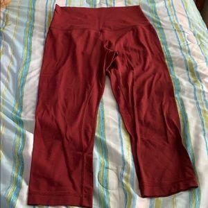 lululemon maroon cropped leggings size 4